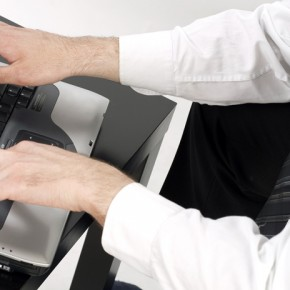Optimerar sajter och hanterar sociala medier