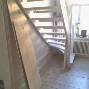 Bygga förråd under trappa